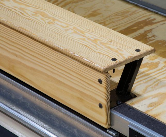 MAXAM classic wood telescopic bleacher seat